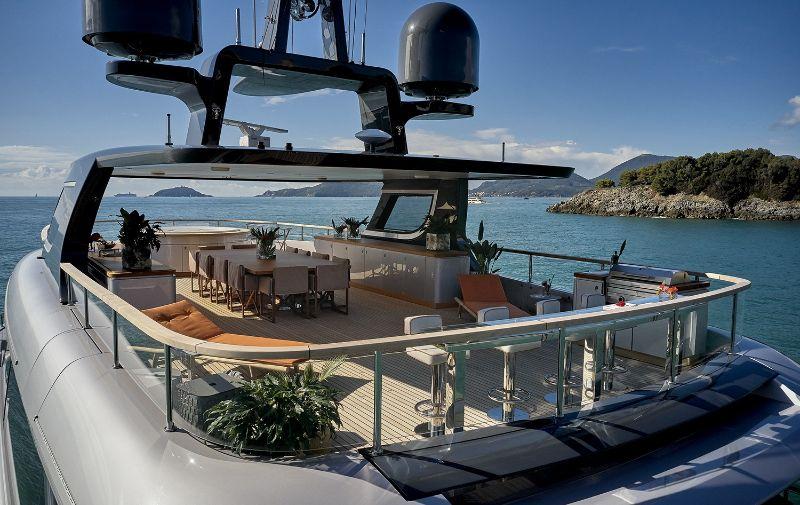 Oasis Bonetti Kozerskis Yacht Design For Benetti
